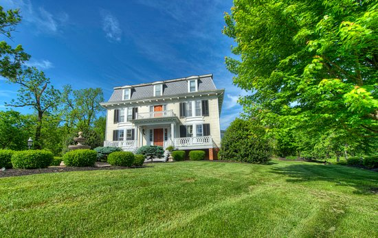 Chestnut Hill Bed & Breakfast Inn Photo