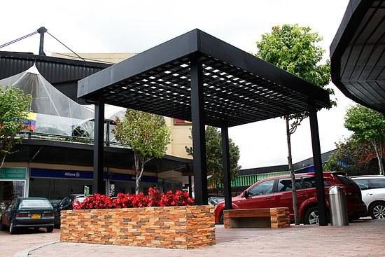 Plaza Mayor Paseo Comercial
