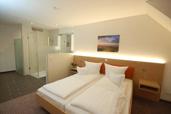 Lehrte, Deutschland: Doppelzimmer Komfort