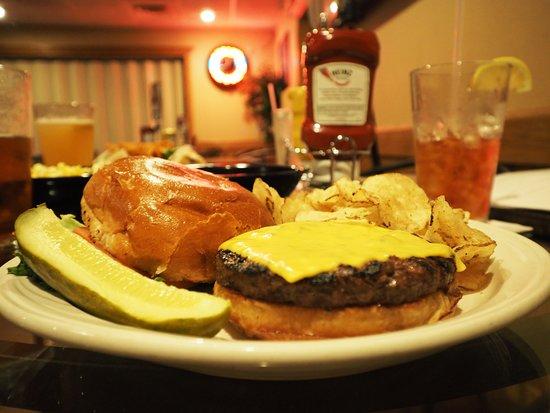 Cadillac, MI: Curly's burger