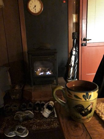 Crater Rim Cabin: A hot toddy and a fire made the chilly evening very cozy.