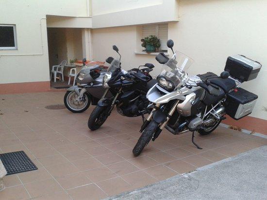 La Costera: Parking