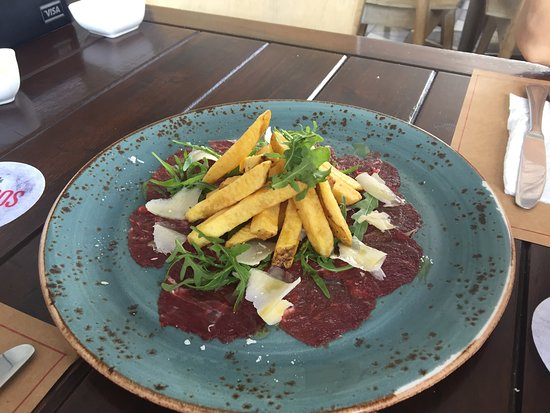 Mangos: Veal Carpaccio with french fries. :(:(:(