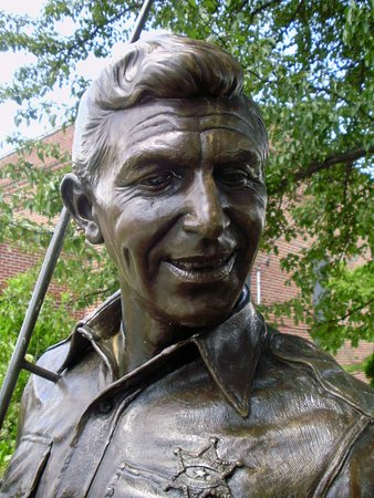 The Andy Griffith Museum: The bronze statue of Andy Griffith as Sheriff Taylor captures the actor's charisma.