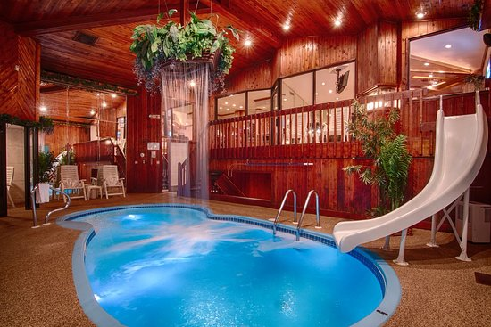 Mequon, WI: Chalet Swimming Pool Suite