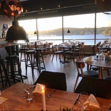 Nacka, Sweden: En bättre kvarterskrog med strålande utsikt över Stockholms inlopp.