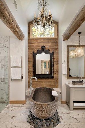 Luxury Suite stone tub and bathroom