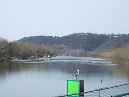 Budget Host Inn Charleston: Nice view of the Kanawha River