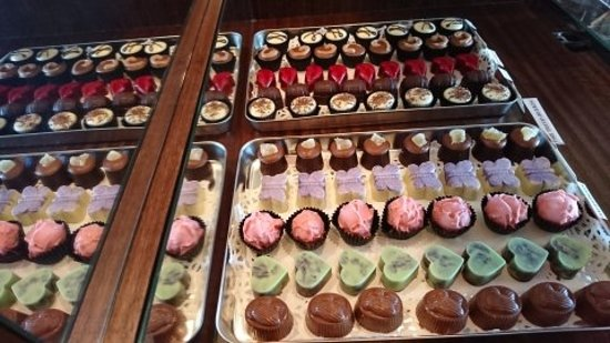 Tewantin, Australia: Works or Art by our Chocolatier, handmade chocolates to salivate over