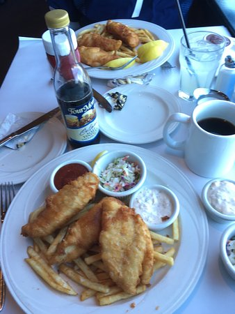 Moss Beach Distillery Restaurant: Fish n chips, sorry already had the clam chowder