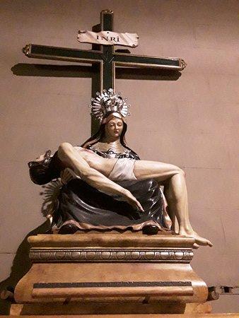 Rosetón Con La Figura Del Espíritu Santo Fotografía De Catedral De