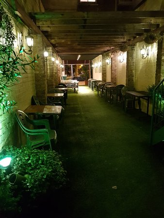 Lovely restaurant hidden away from the noisy streets and absolutely charming