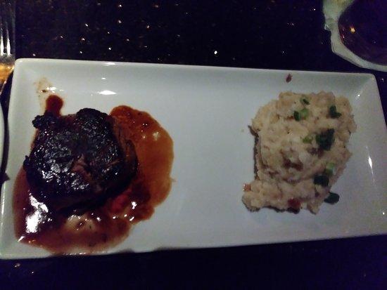 Brookwood Grill: steak and mash potatos