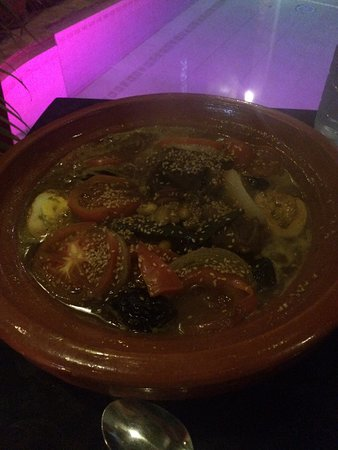 Riad La Porte Rouge: Beef Tagine, Top dinner made by Mustapha