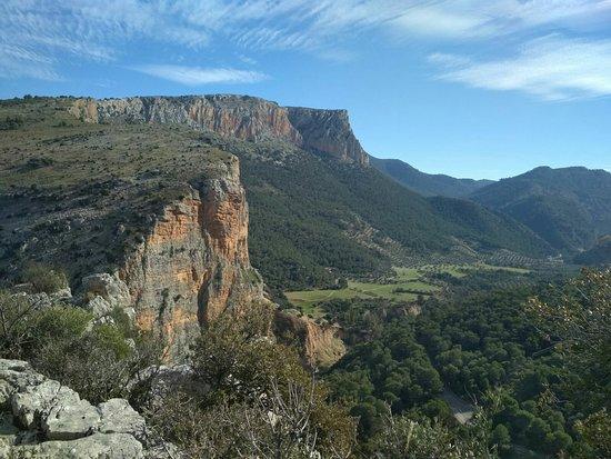 Jaen, Hiszpania: Sierra Mágina, cara norte Albanchez de Mágina.