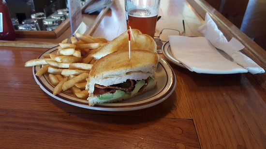 Tolland, CT: Grilled Chicken Avocado Sandwich