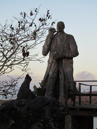 Puerto Baquerizo Moreno, Ekvador: Statue of Charles Darwin