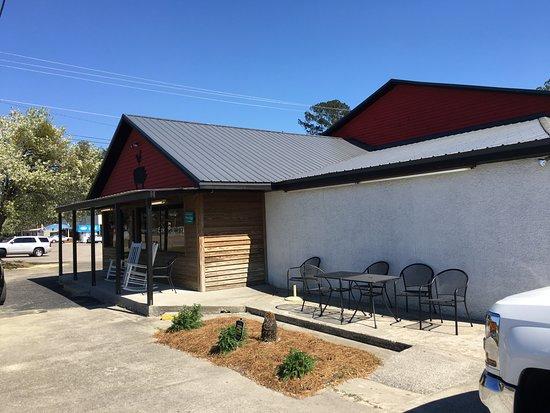 Ridgeland, SC: side of building
