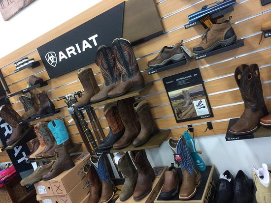 Bowen, Αυστραλία: Ariat are just one of the boot ranges we carry.
