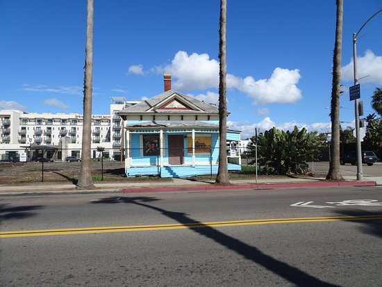 Oceanside, CA: Beautiful little piece of history