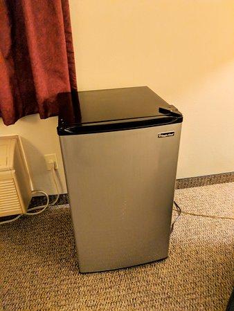 El Paso, IL: Fridge, but no microwave.