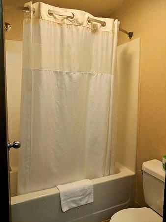 El Paso, IL: Bathroom
