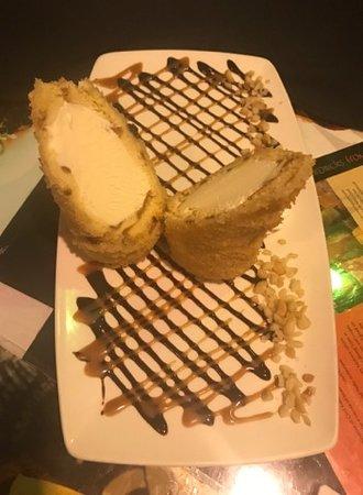 Sansei Seafood Restaurant & Sushi Bar: Fried macademia nut ice cream
