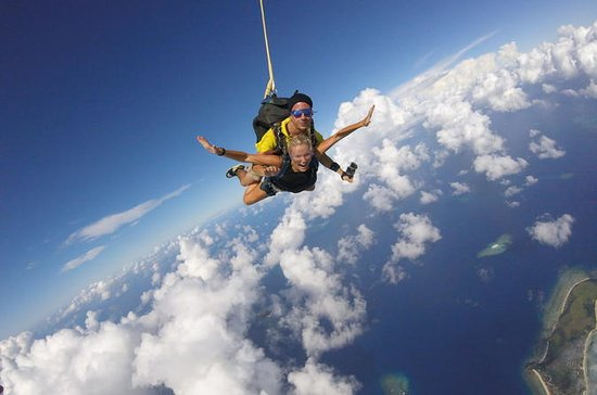 Skydive Fiji Legend 14000ft Tandem...