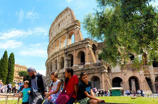 Colosseum and Roman Forum : Family