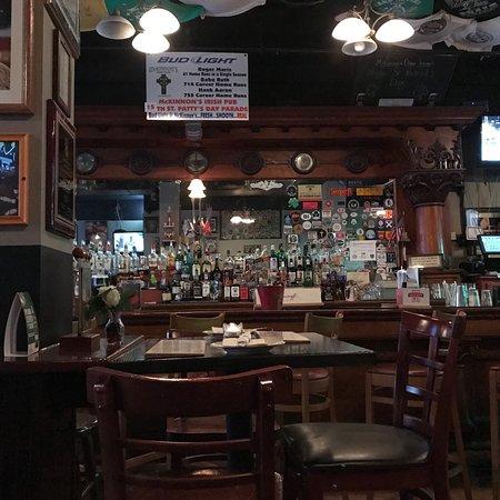Mckinnon's Irish Pub