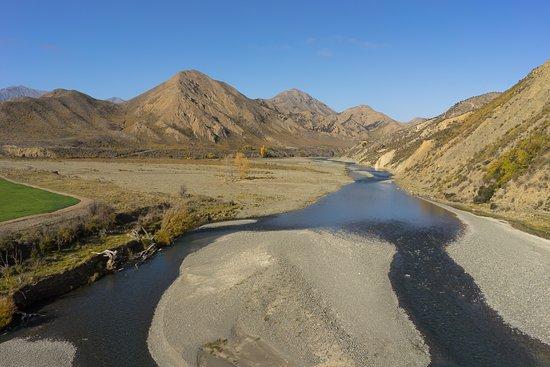 Waikari, Nouvelle-Zélande : High Country River
