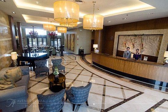 The Avenue Plaza Hotel: The hotel lobby