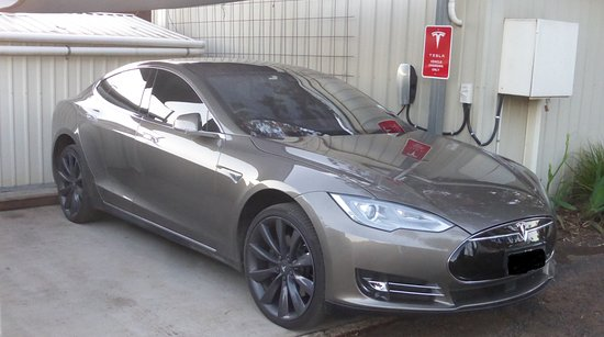 Peak Hill, Australia: We can even charge your TESLA car