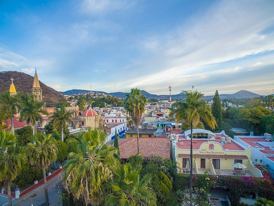Hotel Villa San Francisco: The hotel is situated only steps away from our historic Parroquia de San Francisco de Asís, Chap