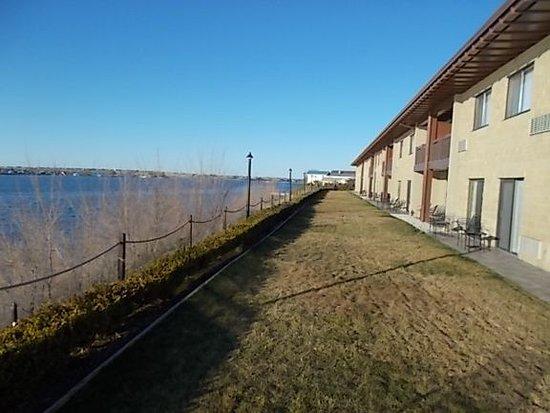 Best Western Plus Lake Front Hotel: Lakeside