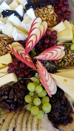 Abbey Beach Resort: Cheese Plate @ Friday and Saturday Buffet