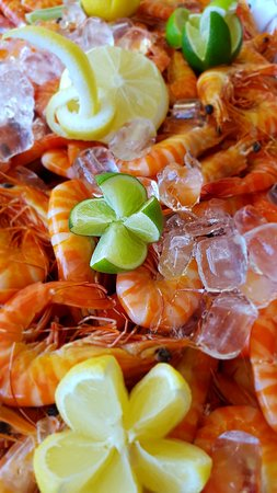 Abbey Beach Resort: Cooked Prawns @ Friday and Saturday Buffet