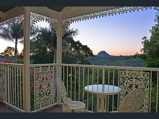 Cooroy Country Cottages: Federation cottage view