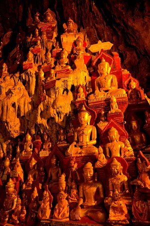 Pindaya, Birmania: Thousands of Buddha Statues are housed in the cave