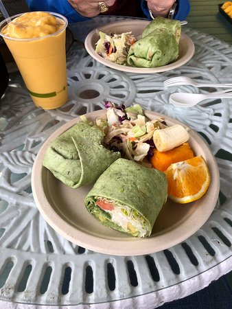 Pepeekeo, Hawái: Delicious wraps and awesome smoothie