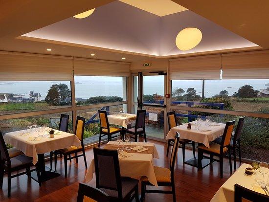 Plougasnou, Γαλλία: Salle de restaurant