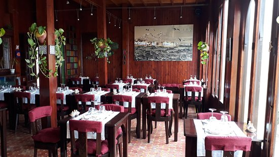 Zahra's Grill: Salle du Restaurant