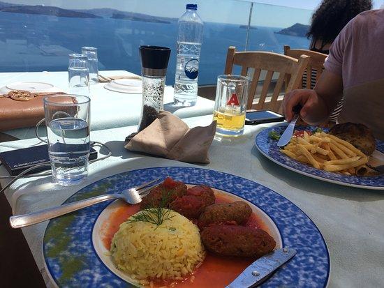 Petros Restaurant: great view