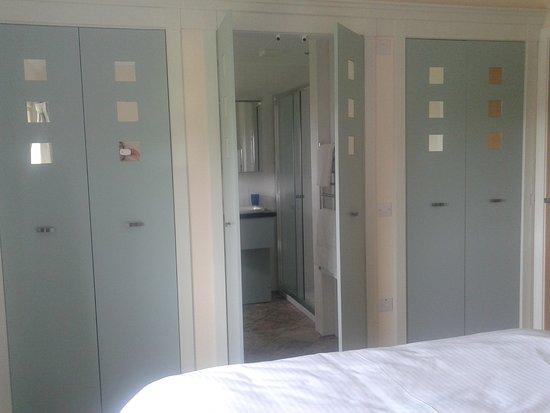 Lochaline, UK: En suite shower room to King Size Double