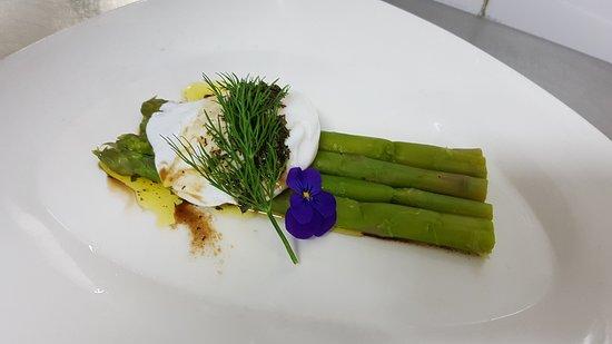 Dos de cabillaud à la plancha, artichaud vinaigrette - Picture of ...
