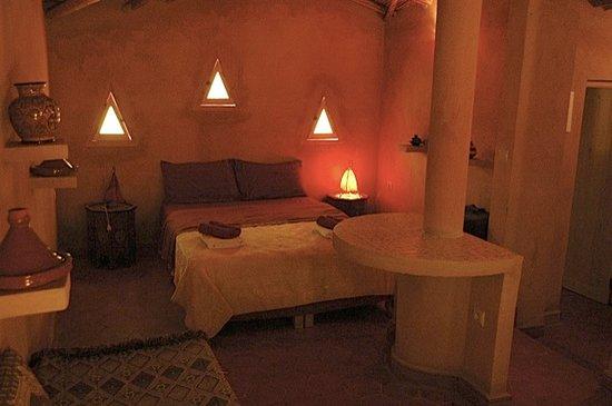 intérieur chalet - Picture of Raid Oriental, Berkane ...