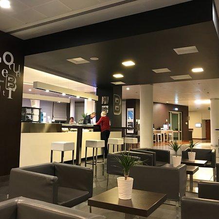 Novotel Milano Malpensa Airport : Nice modern fashion hotel