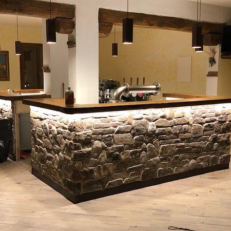 Londa, Italie : Nuovo bar