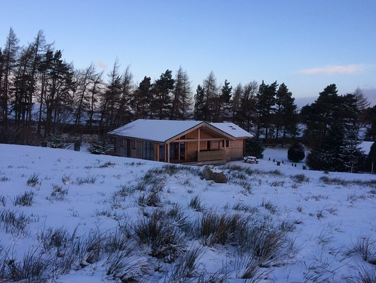 Ravenstonedale, UK: New for 2018, Superior Luxury Log Cabin Swaledale with Real Log Fire & Private Hot Tub with View