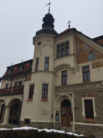 Luhacovice, Czech Republic: Historické průčelí hotelu